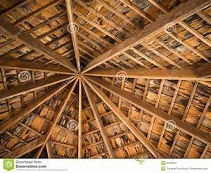 Toit En Bois : toit de tuile en bois image stock image du parapluie ~ Melissatoandfro.com Idées de Décoration