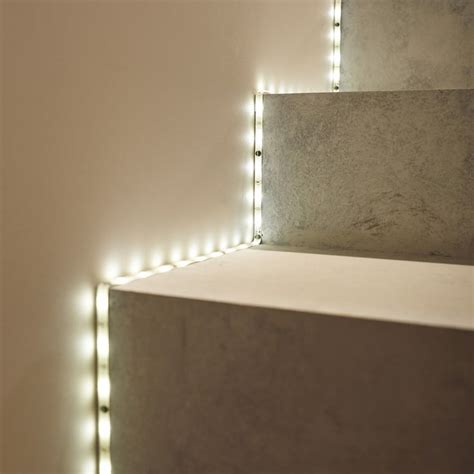 installer ruban led plafond les 25 meilleures id 233 es concernant ruban led sur bande led ruban de led et lavabo