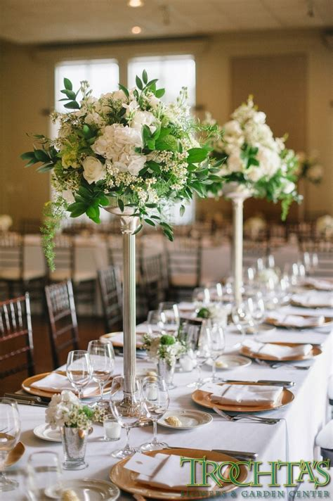 black and white table arrangements tall elegant table centerpieces that have white flowers