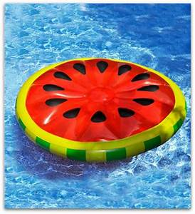 7 Adorable Pool Floats Every Girl Needs