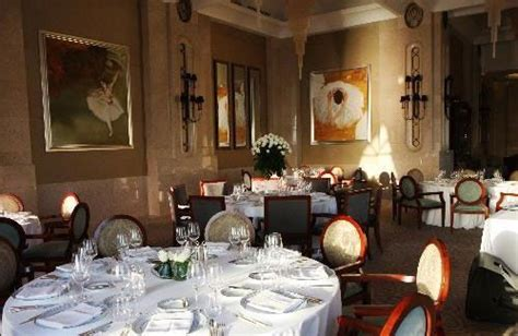Bord Eau – A French dining experience in Abu Dhabi ...