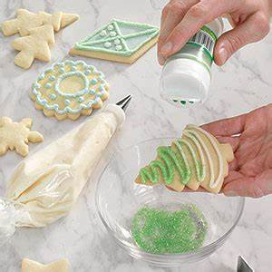 6 Tips for Decorating Christmas Cookies