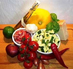 Tomaten Richtig Schneiden : zucchini schneiden rezept zucchini tomaten feta pizza ~ Lizthompson.info Haus und Dekorationen