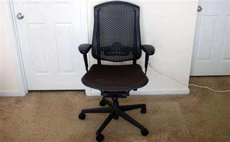 review herman miller celle chair paulstamatiou