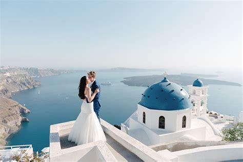 Intimate Wedding In Santorini