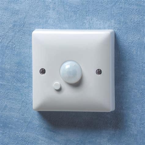 danlers wall mounted pir switch wapir white lighting
