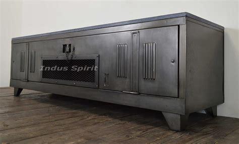 bout de canapé industriel meuble tv industriel
