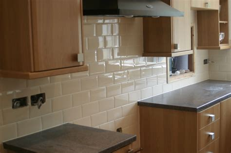 gloss kitchen tiles bevelled edge metro gloss brick tile deal 20 x 10 6275