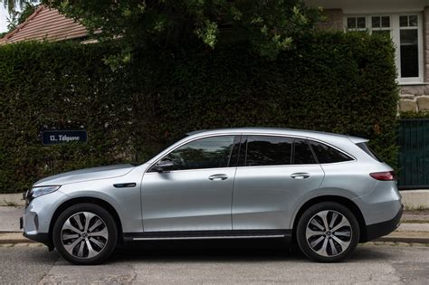 This review of the new mercedes eqc contains photos, videos and expert opinion to help you choose the right with nearly 60 years of experience between them, carwow's expert reviewers thoroughly test every car mercedes eqc: Test: Mercedes EQC 400 4MATIC - ALLES AUTO