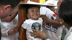 World's shortest man hailed