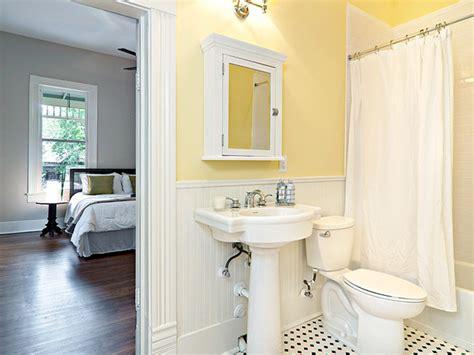 Bathroom Ideas Yellow Walls by Cottage Yellow Bath