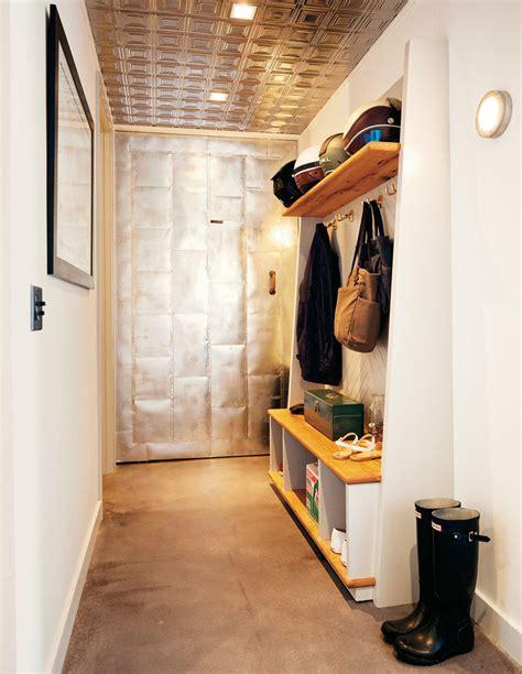 canapé frey couloir du loft avec vestiaire