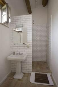 simple small bathroom ideas 25 best ideas about simple bathroom on neutral small bathrooms bathrooms