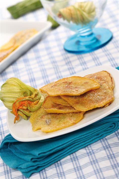 Frittelle Con Fiori Di Zucchina by Frittelle Dolci Con Fiori Di Zucca Ricetta Hosemprefame