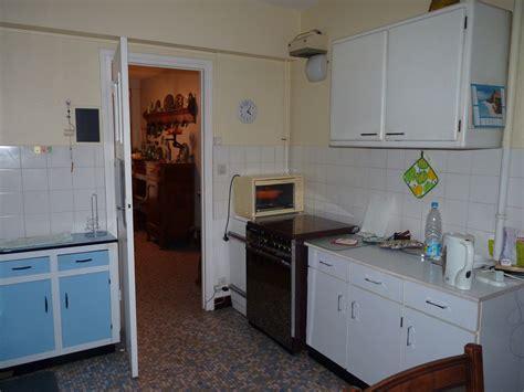 table de cuisine formica déco cuisine en formica vintage ou viellotte cherche