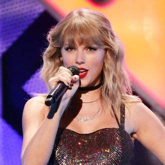 Taylor Swift Announces 'Fearless' Rerecording on GMA