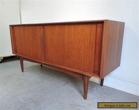 Mid Century Modern Teak Credenza - mid century modern teak credenza sideboard cabinet