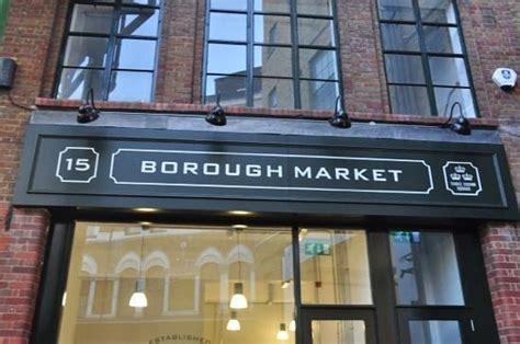 borough market sign veduta del tettto del mercato picture of borough market