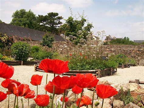 Jardin Des Plantes Mus E by Le Jardin Mus 233 E De L Ancienne Abbaye De Land 233 Vennec