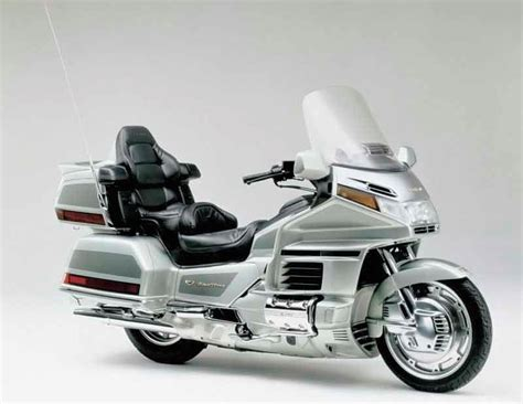 honda goldwing 1500 honda gl1500 goldwing 1998 2000 review mcn