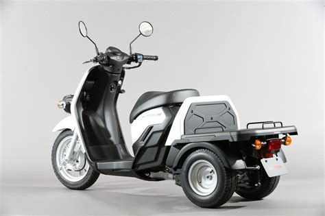 honda gyro  electric moped scooter
