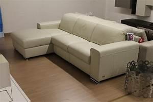 Divani doimo sofas prezzi idee per il design della casa for Prezzi divani doimo