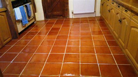 terracotta kitchen floor tiles terracotta tiled floor maintained in fareham hshire tile doctor hshire 6033