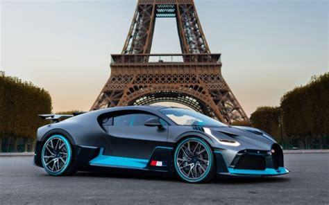 Bugatti Divo In Paris Wallpaper
