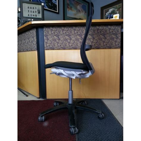 Swivel Office Chair Without Arms by Knoll Swivel Black Aluminum Office Chair Without