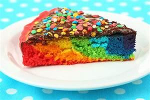 Regenbogenkuchen vom Blech Kribbelbunt