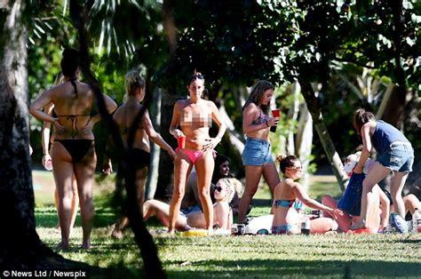 englischer garten munich naturist backpackers sunbake in the middle of a