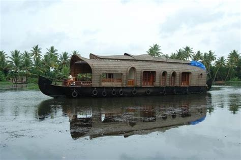 Boat House In Kerala Rent by Boat House Stay In Kerala Stay In Kerala Houseboat With