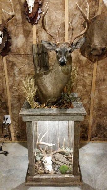barnwood pedestal  whitetail mount   deer