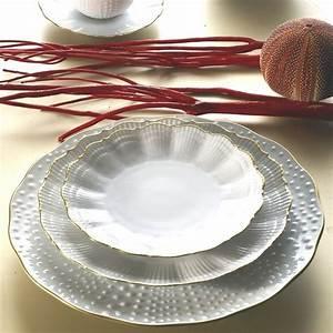 Service Vaisselle Porcelaine : medard de noblat service de table corail or ~ Teatrodelosmanantiales.com Idées de Décoration