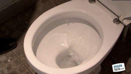 papier toilette qui se dissout dans l eau plomberie r 233 parer une fuite des wc minutefacile