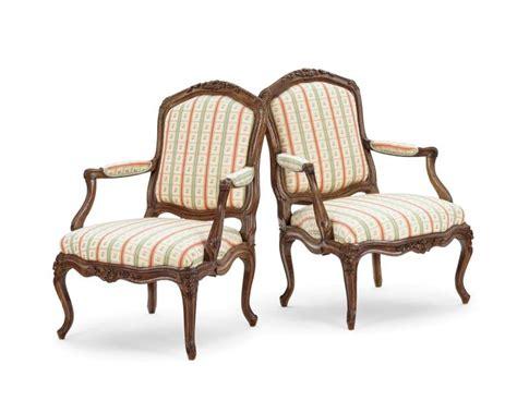 tissus fauteuil louis xv paire de larges fauteuils 224 ch 226 ssis d 233 poque louis xv est