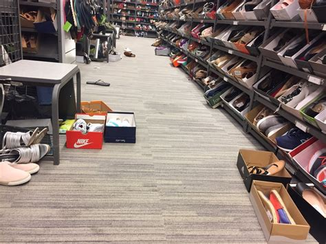 nordstrom rack pleasant hill shoe aisle mess yelp