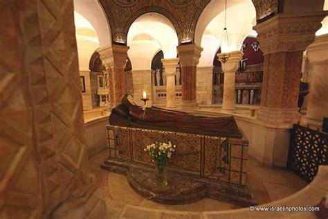 virgin mary statue   dormition abbey  jerusalem