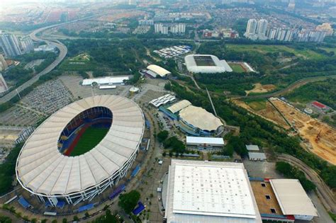 bid malaysia 11 firms bid to build an icon in bukit jalil business