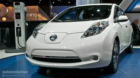 naias updated nissan leaf    usa