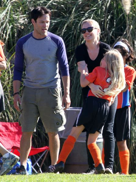 lilac moyer  anna paquin  stephen moyer watching