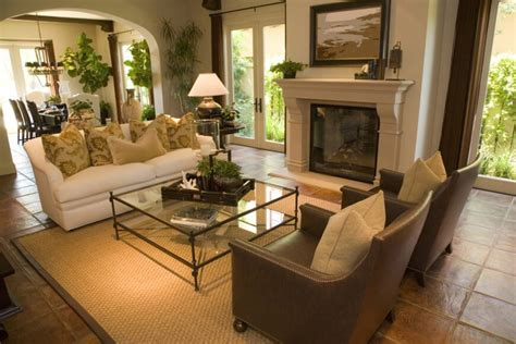 Two Homes With Elegant Decor And Neutral Colors : 25 Gorgeous Living Rooms Featuring Comforting Earth Tones
