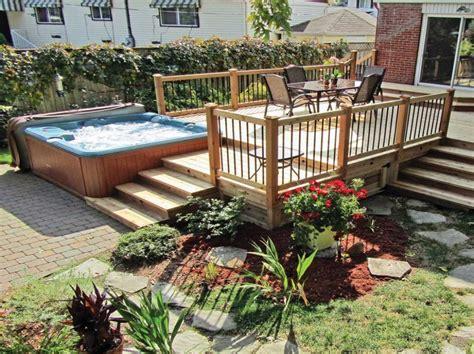 idee amenagement jardin idee deco jardin avec palmier salon expertscnes