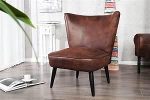 Petit Fauteuil Salon : petit fauteuil salon id es de d coration int rieure french decor ~ Teatrodelosmanantiales.com Idées de Décoration