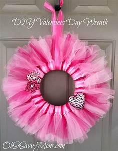 Valentine's Day Wreath - Oh So Savvy Mom