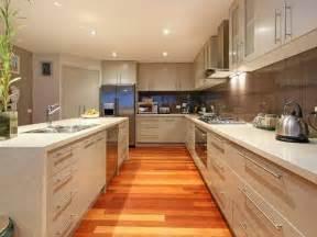 pictures of kitchen ideas classic island kitchen design using laminate kitchen photo 338413