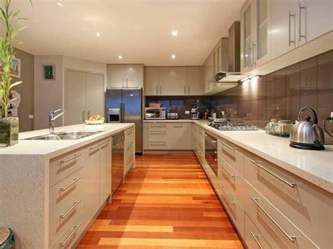 kitchens with islands photo gallery classic island kitchen design using laminate kitchen photo 338413