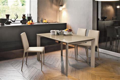 tavoli moderni design tavolo allungabile con piano in vetro per cucine moderne