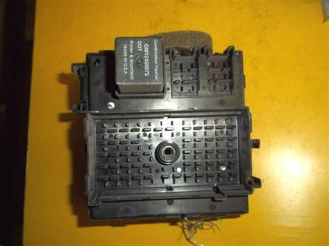 Gmc 1500 Fuse Box by Find 99 Chevy Silverado Gmc 1500 Oem Dash