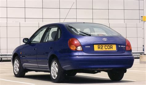 2000 Toyota Corolla Review by Toyota Corolla Hatchback 1997 2000 Photos Parkers